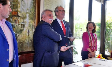 Firman acuerdo Universidad de Extremadura y Humboldt International University