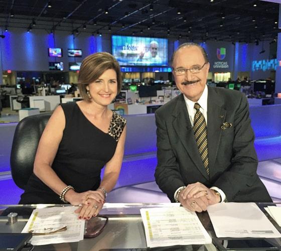 Alina y Guillermo Benites, en el último noticiero del presentador, en septiembre de 2015.